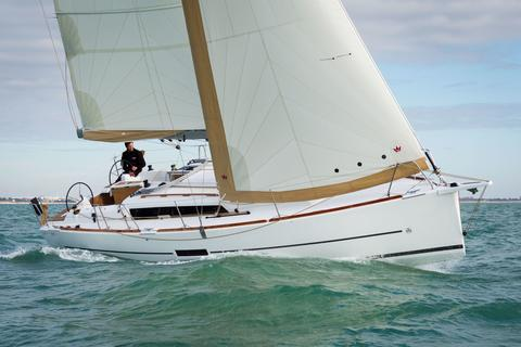 sailboat Dufour 350 Picture 1